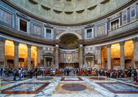 binnen-het-pantheon-rome-italië-55789258